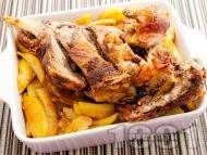 Рецепта Сочно печено агнешко бутче в тава с картофи на фурна